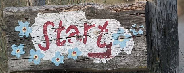 Start words written on a sign