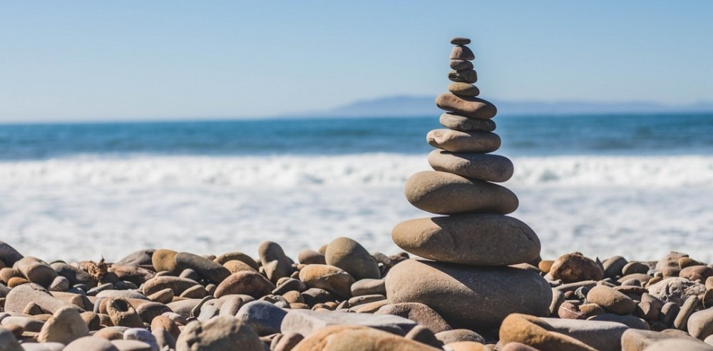 Rocks balanced at the beach