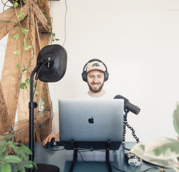 Legitimate Ways To Make Money Online From Home - Podcasting