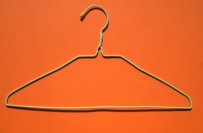 how to remove hair with hanger