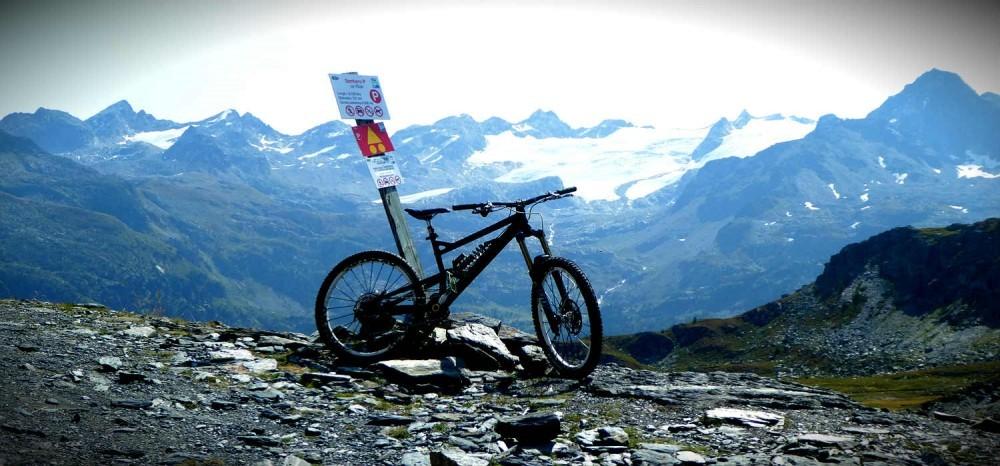 mountain biking la thuile