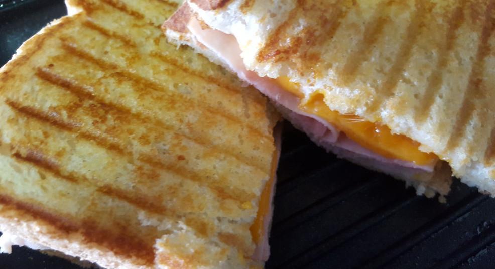 cheese and ham toastie