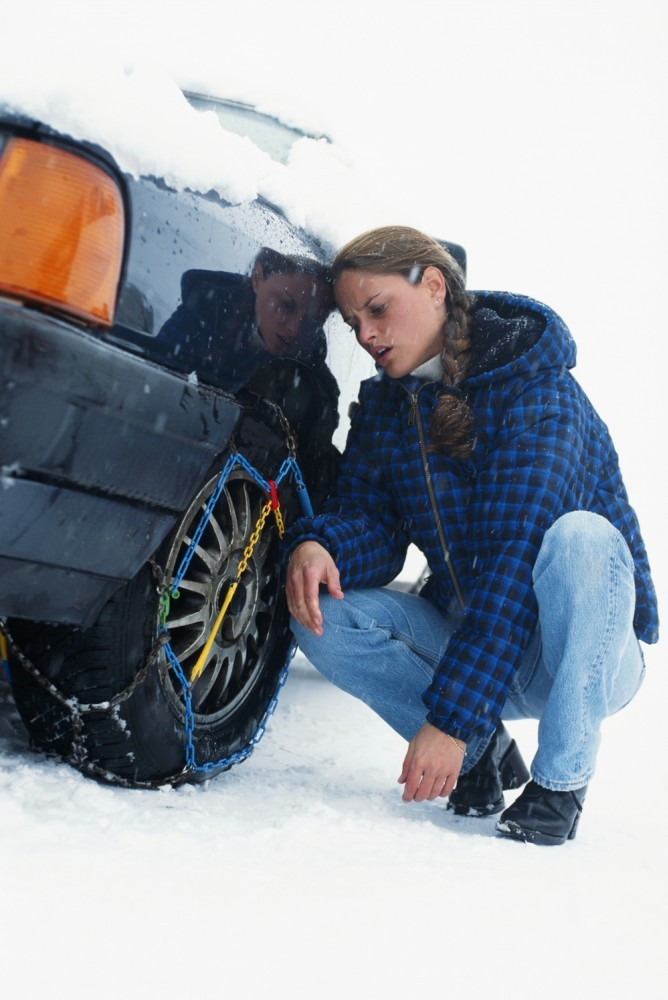 snow-chain-snow-tire-traction-device