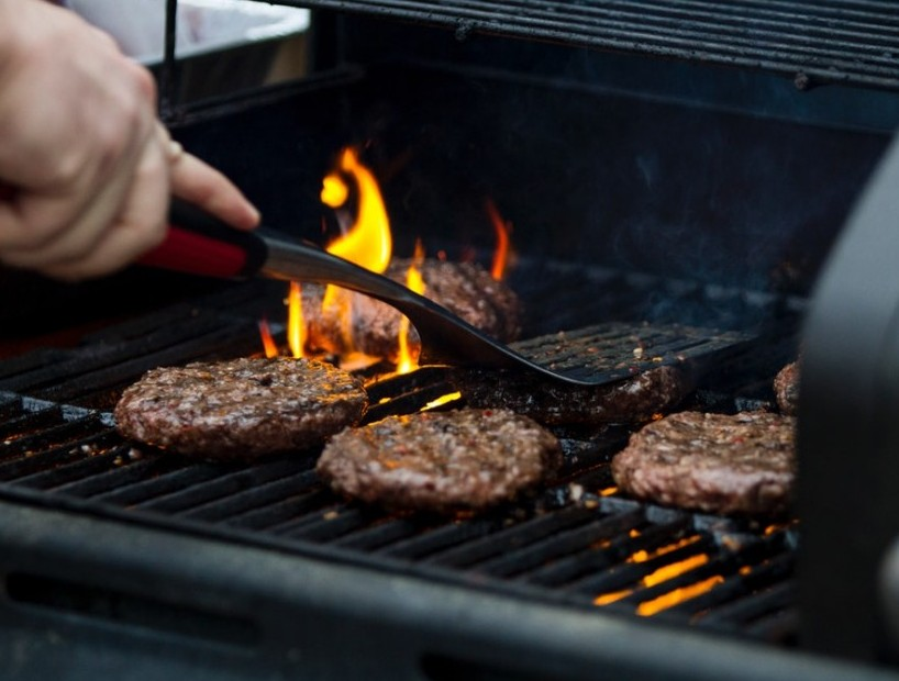 picture of burgers on a grill where i had my first ever exposure to affiliate marketing!