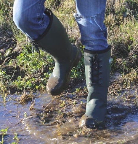 The importance of rubber boots in deer hunting scent control tips