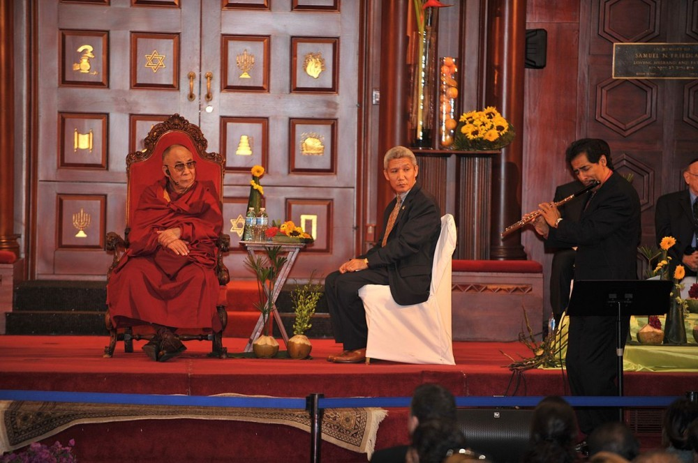 Néstor Torres (soft Jazz Musician) with Dali Lama