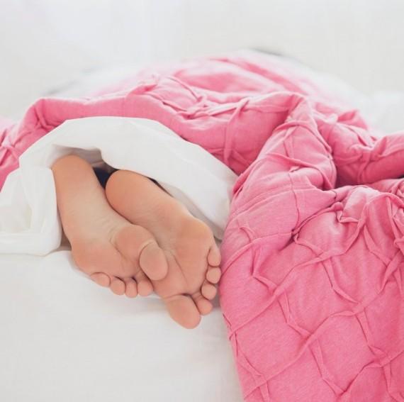 reasons fr rapid weight gain - lack of sleep