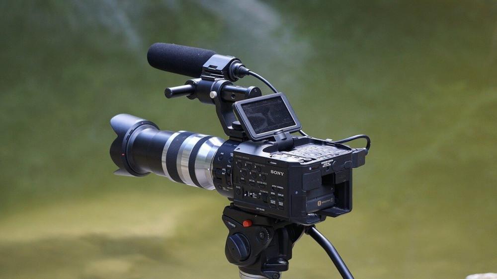 VidSnatcher Commercial Review -- Camera
