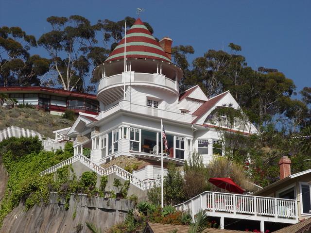 What To Do In Santa Catalina Island -- Catalina Hotel