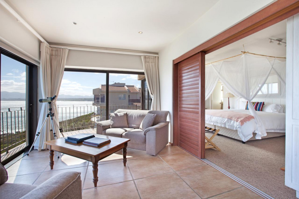 Room at Whale Huys Luxury Ocean Holiday Villa