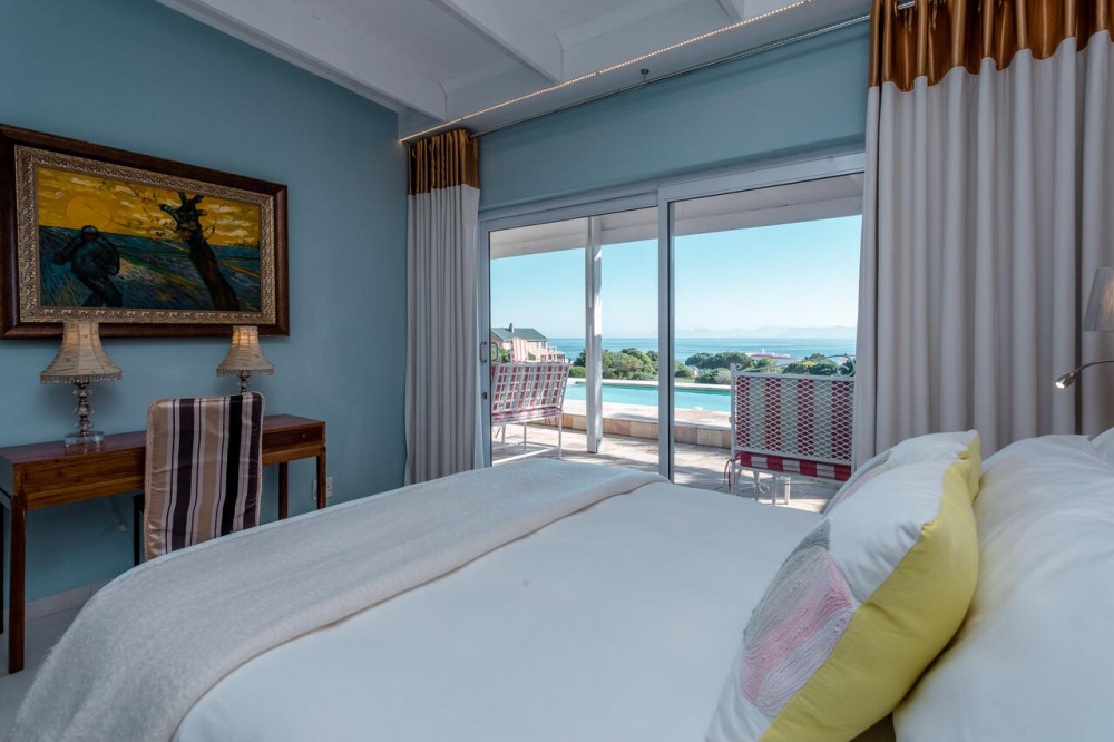 Room at Benguela Lodge Gansbaai