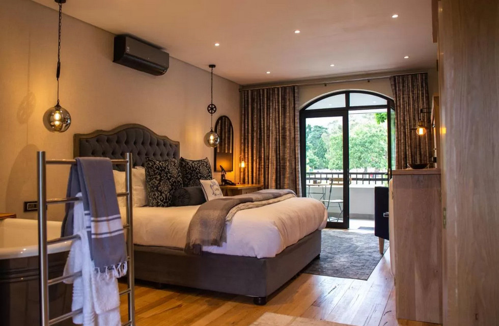 Room at Le Petit Manoir Franschhoek