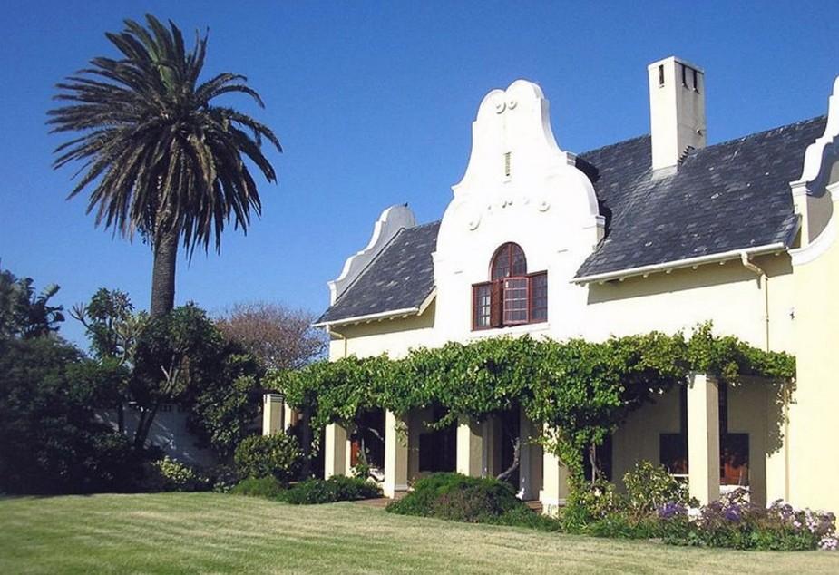 Cotswold House Milnerton
