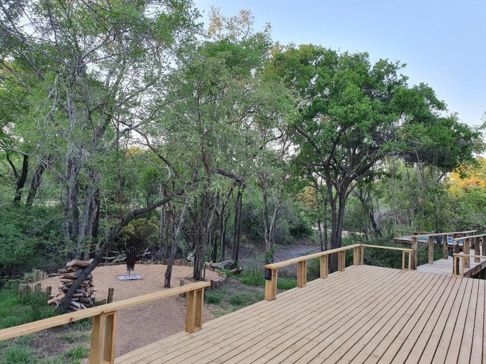 Deck at Kingfisher Creek Lodge