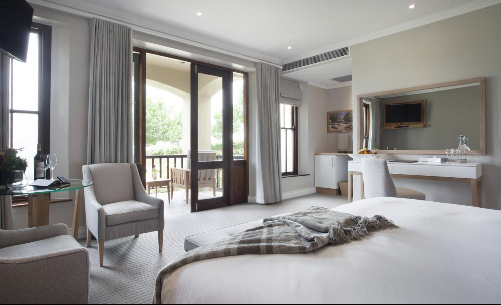 Room at Asara