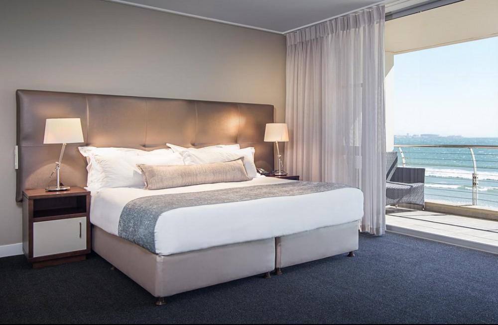 Lagoon Beach Hotel Bedroom