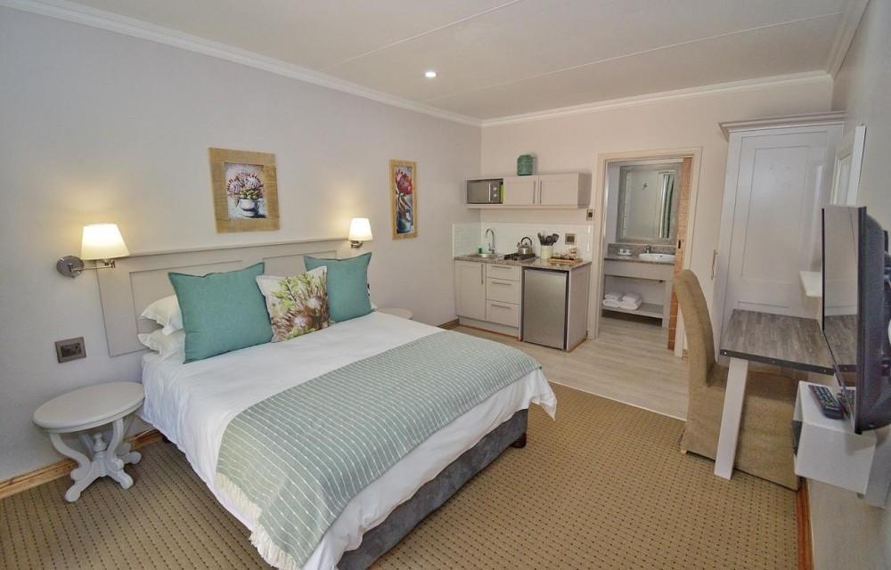 Room at Clarens Retreat