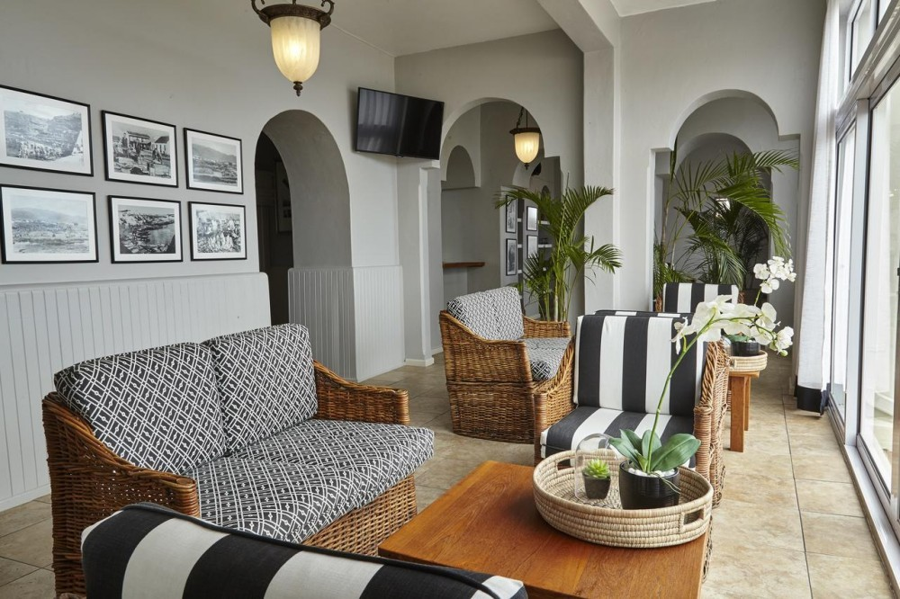 Lounge area at Windsor Hotel Hermanus