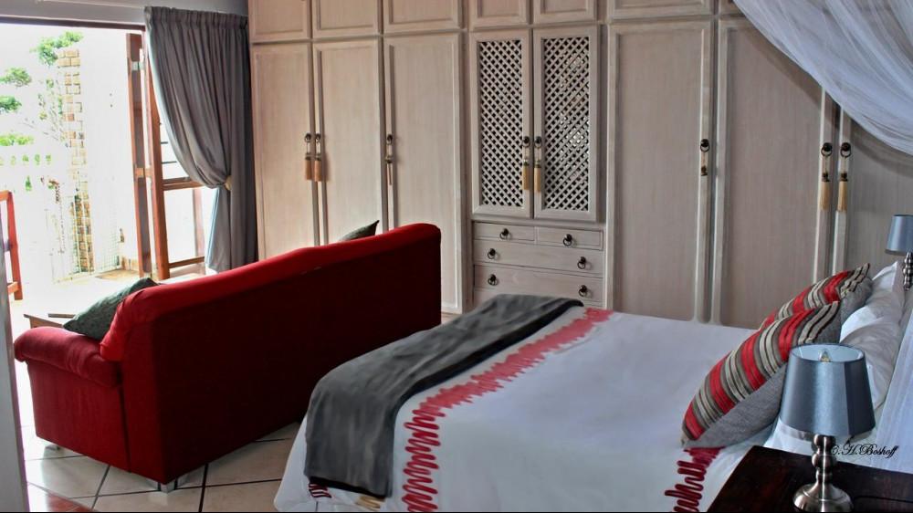 Room at Walkerbay Accommodation