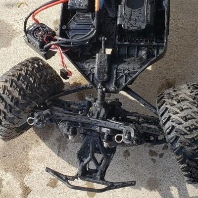 Losi Tenacity broken chassis