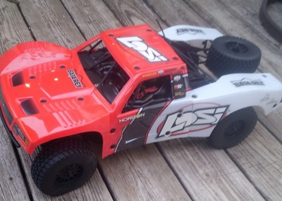 Losi Brushless 4x4 RC truck