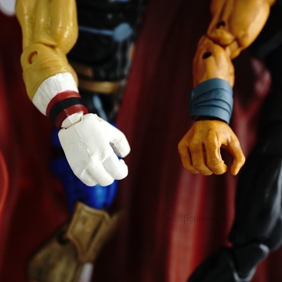 Marvel Legends - Toybiz Beta Ray Bill (MODOK BAF Wave) vs Hasbro Beta Ray Bill (Professor Hulk BAF Wave)