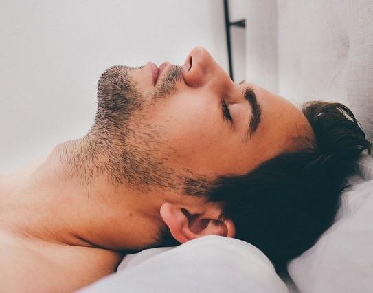 Man sleepin