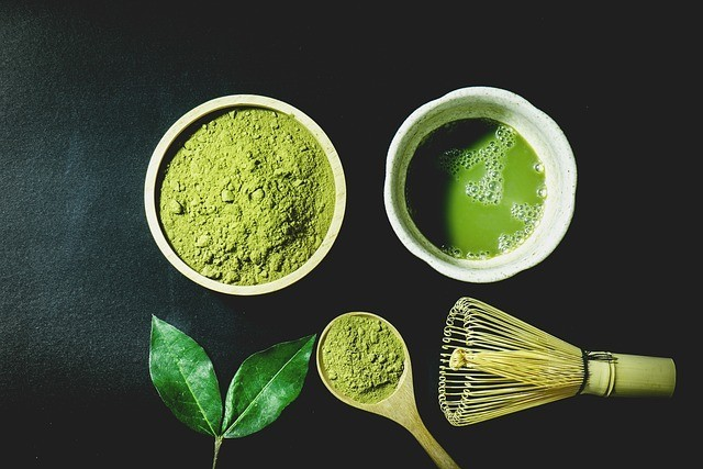 matcha powder photo courtesy of dungthuyvunguyen and pixabay