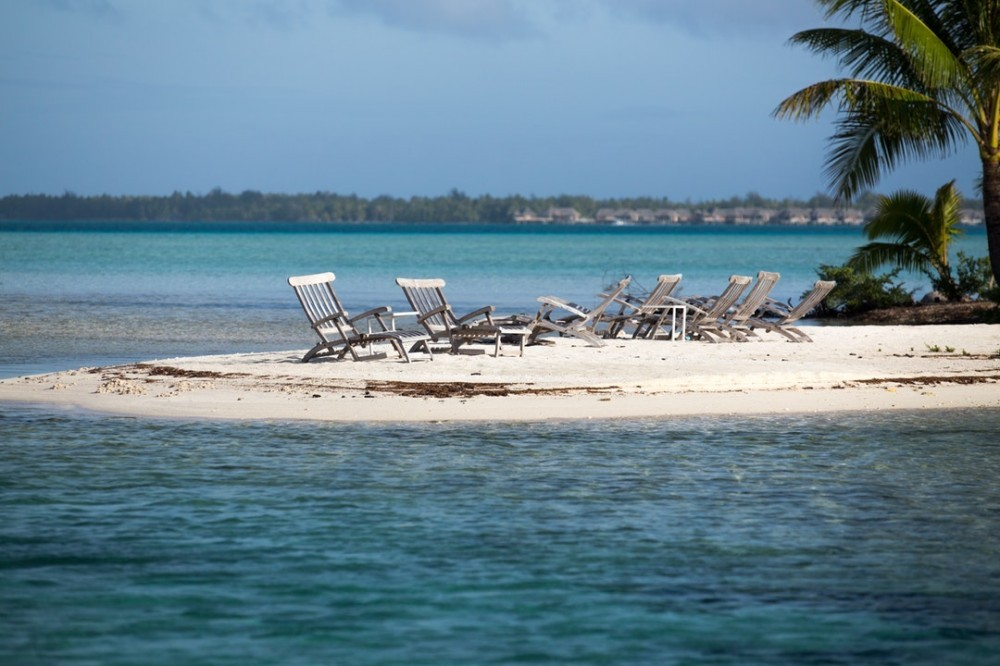 Beautiful Beach In Bora Bora - When Should You Planning Retirement
