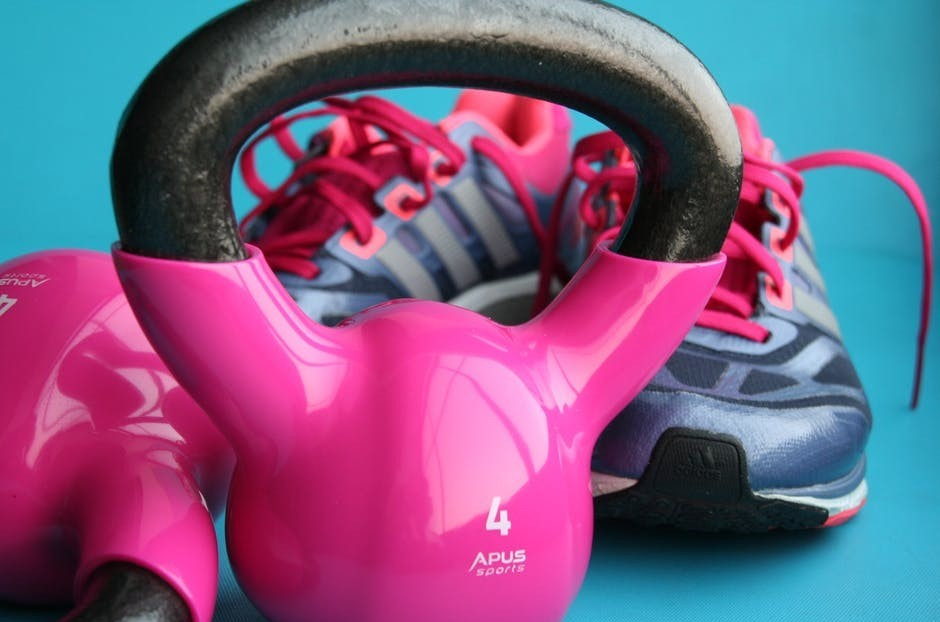 "<img src=""pink kettle bells and trainers.jpg"" alt=""home weight loss equipment""/>"