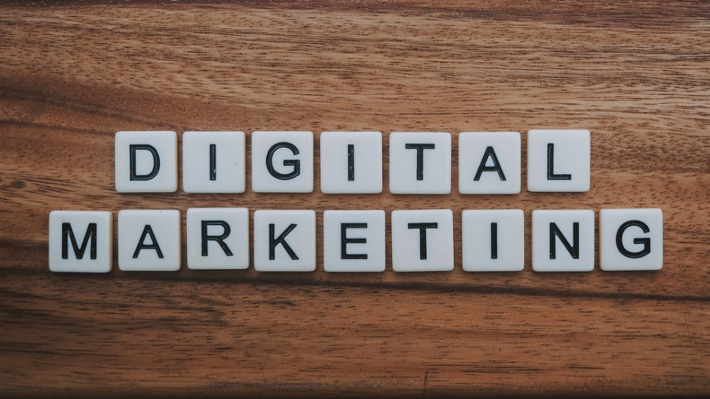 """<img src= """"digital marketing word.jpg"""" alt=""""what's the best way to make money from home""""/>"""