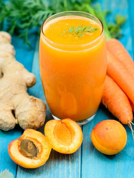 "<img src =""fresh carrot juice.jpg"" alt=""what is the best cleanse for weight loss""/>"