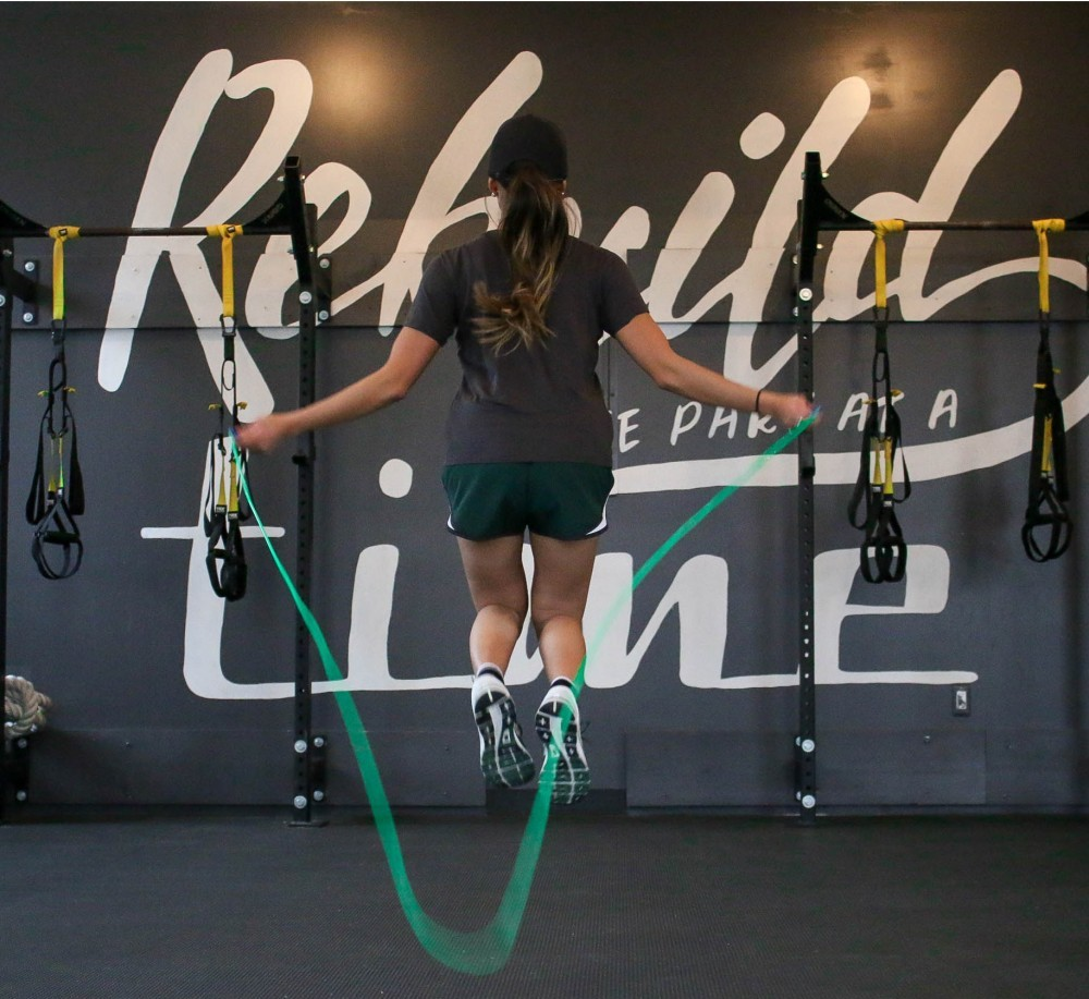 "<img src=""woman skipping.jpg"" alt=""how to lose weight by skipping rope"">"