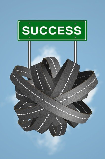 """<img src=""""all roads lead to success.jpg"""" alt=""""what to achieve""""/>"""