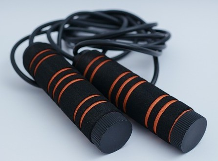 "<img src=""skipping rope.jpg"" alt =""how to lose weight by skipping"">"