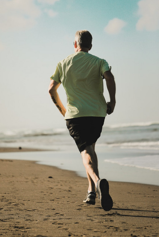 "<img src=""man jogging.jpg"" alt=""how to improve cardiovascular fitness""/>"