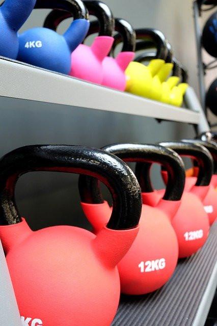 """<img src=""""kettlebells.jpg"""" alt=""""best exercise equipment for weight loss""""/>"""