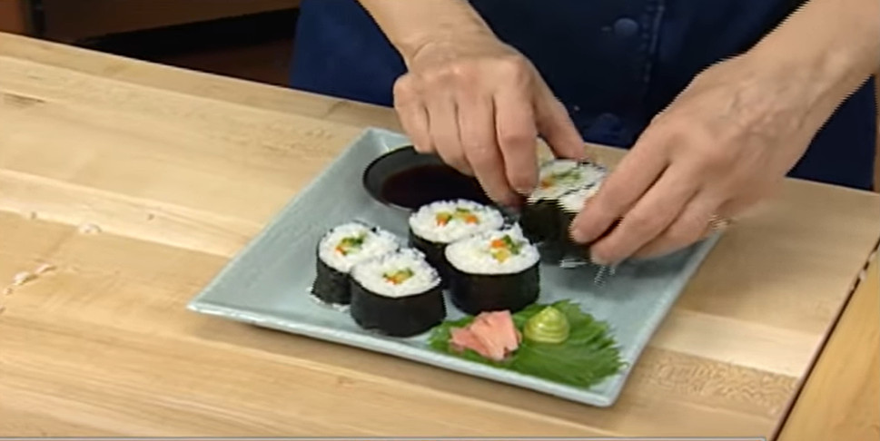 serve the sushi roll