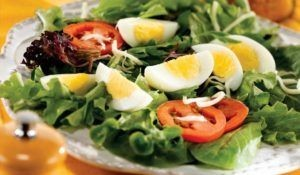 Salad with eggs