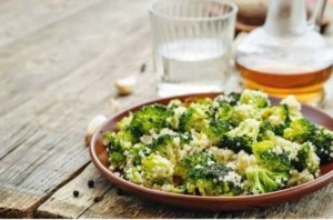 Dinner # 2: Broccoli with goat's cheese and quinoa