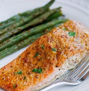 Dinner: baked salmon with green beans