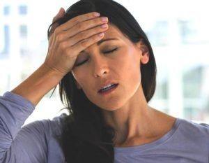 woman with headache-by-chlorella