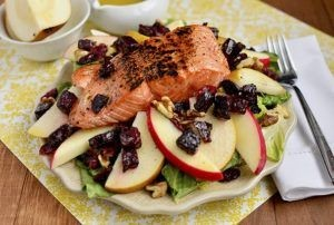 fried salmon salad with apples