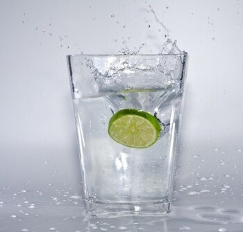 Glas with lemon water