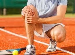 injury sensitive tennis player hurt his knee