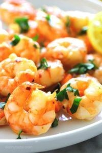 Fried shrimp with garlic