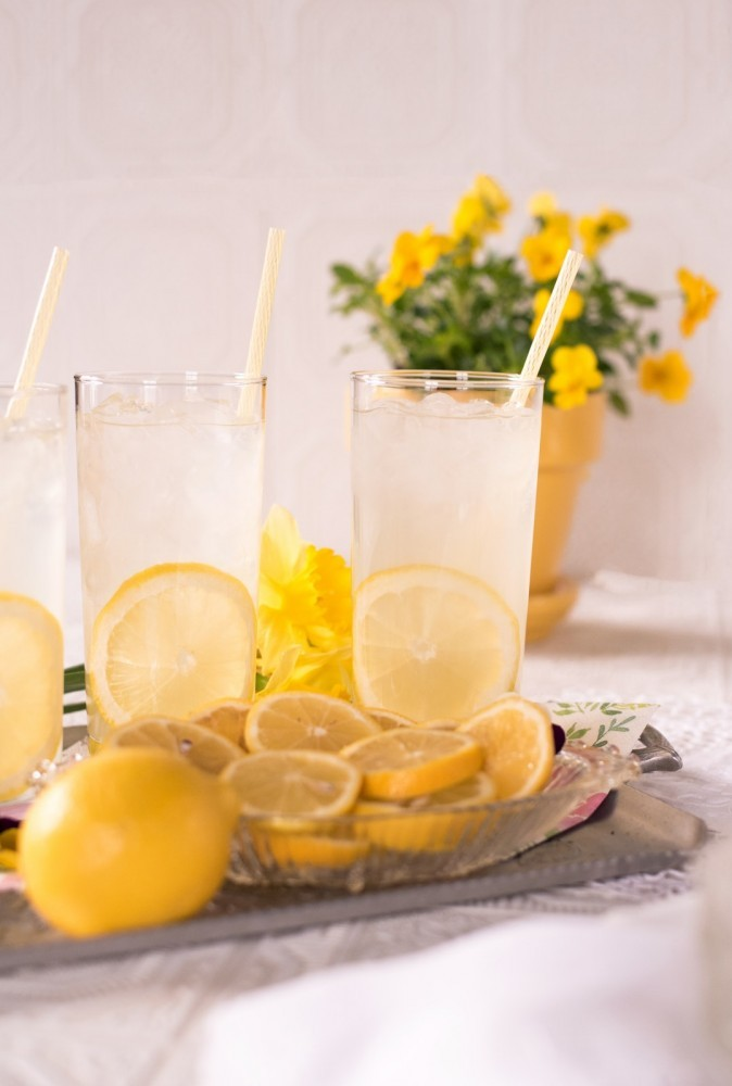 how to prepare lemon detox drinks
