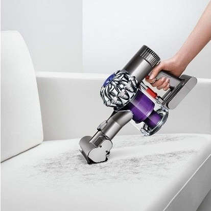 Dyson DC58 cleaning pet hairs