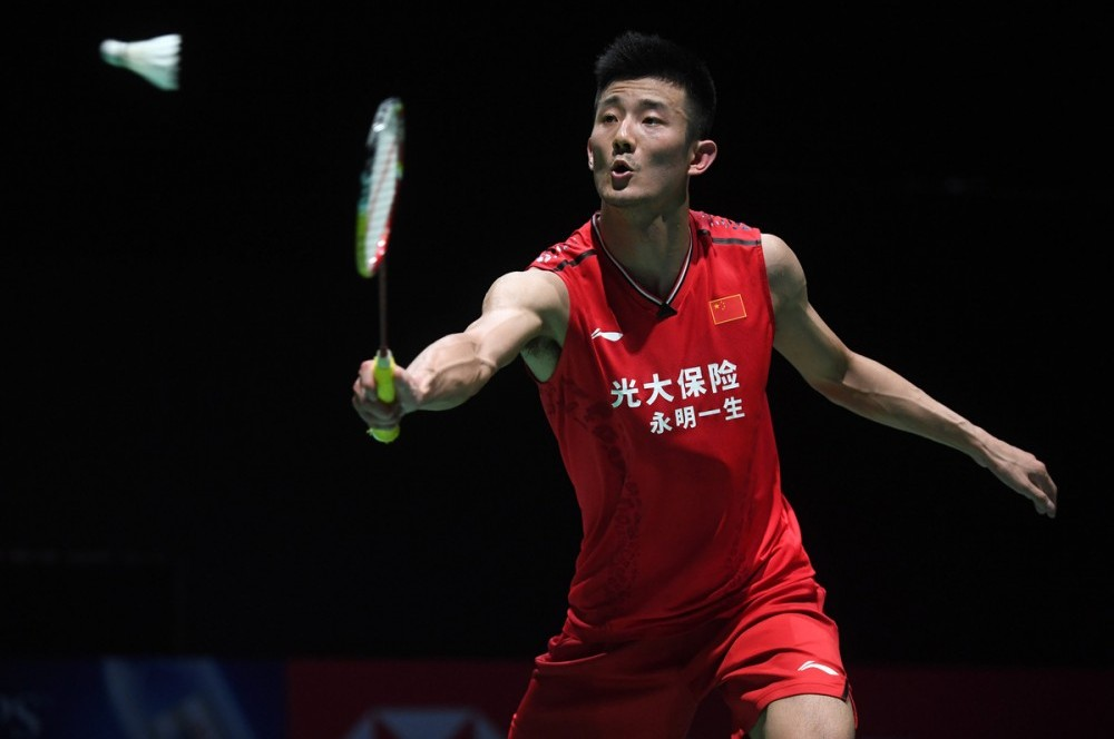 chen long playing badminton