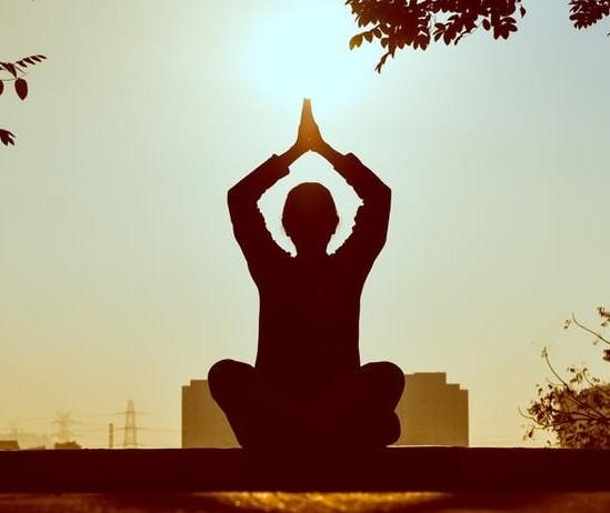 How to balance your chakras through meditation